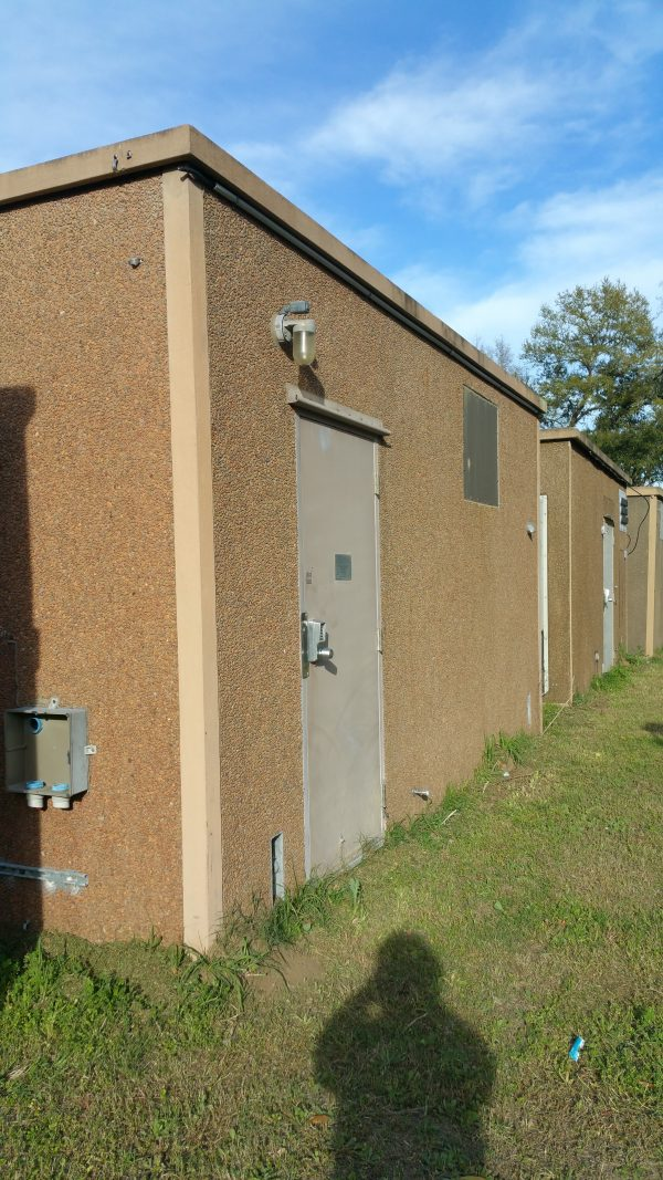 10x20 Rohn Concrete Shelter